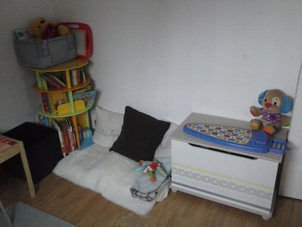 la salle de jeux coin repos lecture. Black Bedroom Furniture Sets. Home Design Ideas